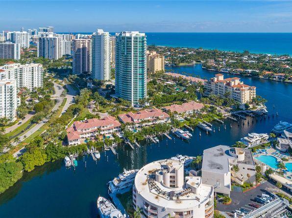 منازل للبيع في Aventura فلوريدا