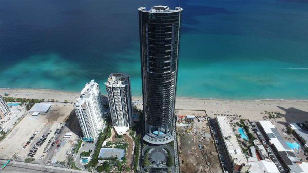 برج تصميم بورش ميامي