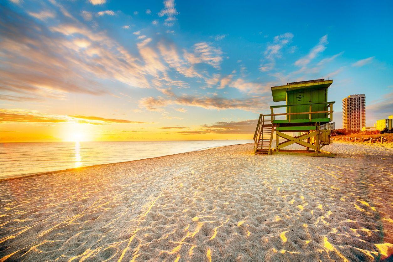 ساوث بيتش، ميامي عند غروب الشمس